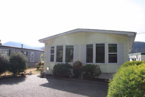Jackpot….Beautifully renovated DOUBLE Wide mobile in Cedar Grove