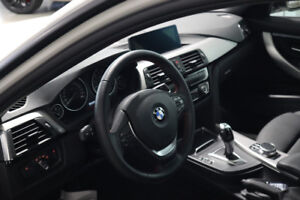 2018 BMW 330 XI - White on Black. Sunroof & Navi!