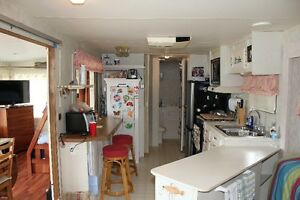 Park Model Trailer Cottage for sale - Lac Simon waterfront wdock Gatineau Ottawa / Gatineau Area image 6