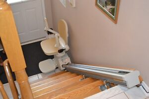 Acorn Stairlift used only 4 times $1800. OBO