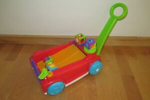 Chariot rouli-blocs Fisher Price Roller Blocks Rockin' Wagon