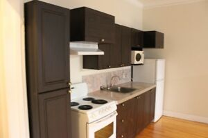 ALL INCLUDED,31/2,Cote St Luc,near, Downtown,1,bedroom