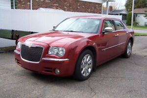 2010 Chrysler 300C HEMI  **négociable**