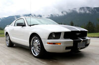 2005 Ford Mustang!! Super Clean!!