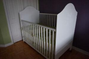 Lit de bébé et matelas ( bassinet, berceau, crib)