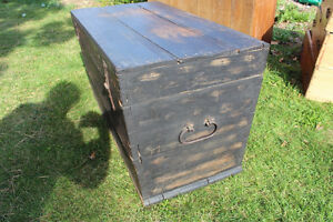 Old Antique Settler's Box/Chest London Ontario image 3
