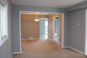 Showings TODAY-House for rent in great Pickering neighbourhood