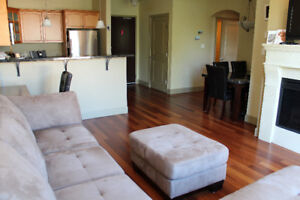 Luxurious furnished 1-bedroom condo in Tuscany Village