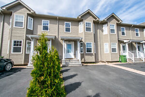 3 bed, 4bath 2 yr old Dartmouth townhouse