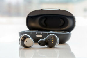 IQBuds - Intelligent Wireless Ear Buds