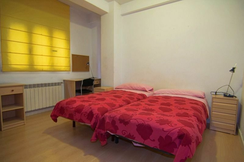 *fantastic TWIN room SE1 elephant and castle - ZONE 1