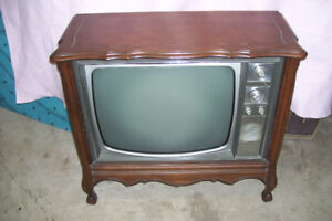 1960s  ELECTROHOME FLOOR MODEL B/W FLOOR MODEL TV