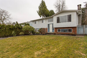 The Best Place to Call Home - 3Bed Top Floor!-Maple Ridge $1995