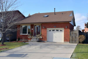 OPEN HOUSE SUN JAN 20  2:15-3:15 PM  46 CARRIAGEGATE DR