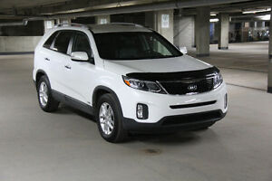 2014 Kia Sorento LX  Premium AWD Low Milage Mint Condition