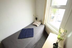 ONE MONTH FREE RENT SINGLE ROOM