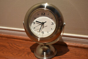 Clock with Mirror- Used but Great Condition Oakville / Halton Region Toronto (GTA) image 1