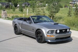 2009 Ford Mustang GT Convertible 5-Speed w/extras!