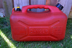 4 Gallon 15 Liters Fuel can container