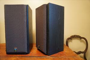 B&W Bowers Wilkins V202 bookshelf speaker