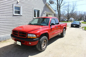 1995 Dodge Dakota Pickup Truck
