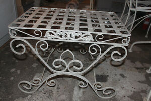 New Iron Side Table ( use indoors or on patio )