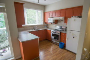 Townhouse 4 Bedrooms 4 Bathrooms near Richmond Centre