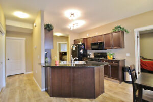 Beautiful 3 Bdrm Somerset Condo AVAIL Nov 1st NO SHOVELLING