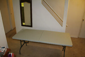 Good multi functional table Oakville / Halton Region Toronto (GTA) image 3