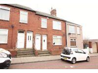 2 bedroom flat in Rothbury Avenue, Gateshead, NE1