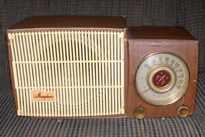 General Electric Musaphonic tube radio model C421 - 1957