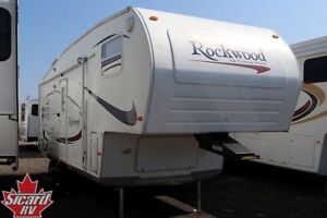2006 FOREST RIVER ROCKWOOD 8240SS