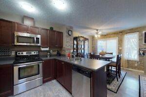 1/2 Duplex with finished basement in Windermere