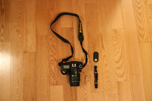 Nikon D90 DLSR with kit lens