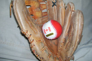 CUSTOM BUILT PROFESSIONAL MODEL LEATHER INFIELDERS GLOVE London Ontario image 1