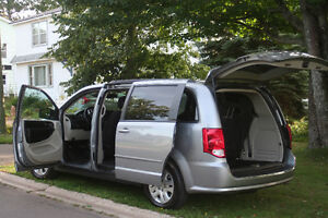 2014 Dodge Grand Caravan SXT from Vancouver = no rust