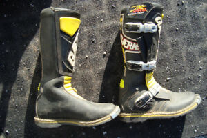 gaerne pro evolution youth size 4 moto cross boots