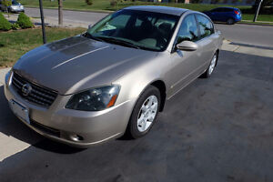 2005 Nissan Altima 2.5 S Sedan - With 2nd set of winter tires