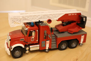 Bruder Mack Granite Fire Truck