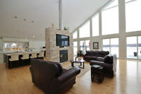 SMRT - Gorgeous Waterfront Home Within Kingston!!