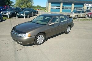 Nissan Altima 4dr Sdn 2000