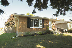 COMPLETELY UPDATED!! Cornwall Ontario image 1