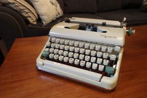 Olympia SM5 typewriter dactylo