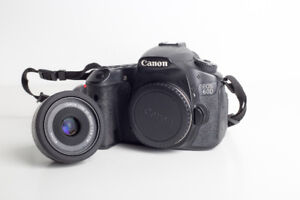 Canon 40mm f/2.8 Lens / Lentille, comme neuf.