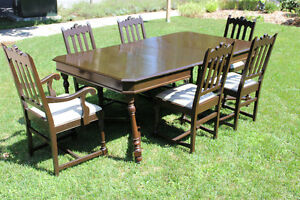 Antique Dining Table and Chairs Kitchener / Waterloo Kitchener Area image 1