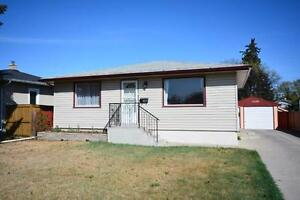 Forest Lawn - 2 bedroom main floor of house