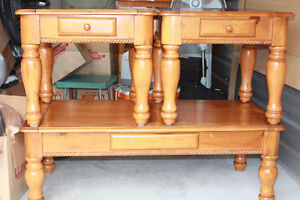 nice coffe and end table set for sale