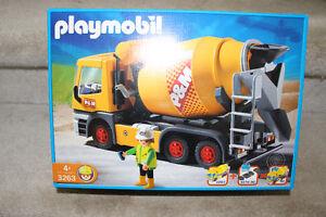 Playmobil cement mixer