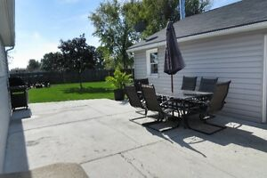 $158,000.00 1.5 Storey & 3 car garage for sale in Courtright Sarnia Sarnia Area image 3