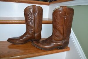 MENS LEATHER S 9.5 COWBOY BOOTS